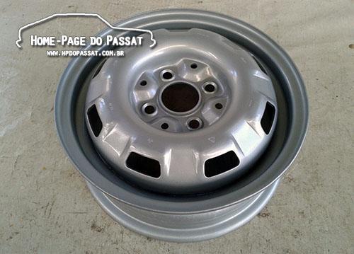 A roda do Passat possui 8 janelas oblongas e poderia ter 4,5